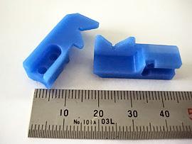 材質:MCナイロン チャック 食品関係でキズ防止の為MCナイロンにより製作しています。 公差:±0.03
