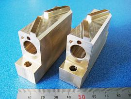 材質:真鍮 先端角度付き金型の一例